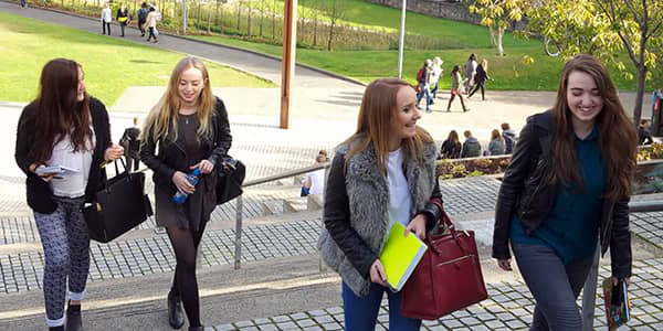 Students in Rottenrow gardens